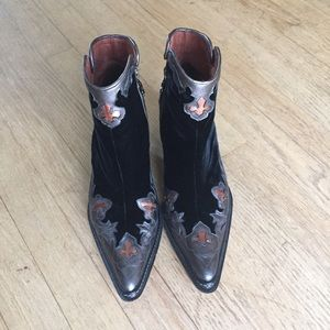 Donald Pliner Western Couture Collection Boots